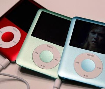 Apple's new iPod nanos.