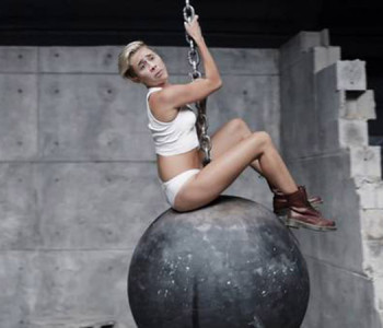 nicolas-cage-wrecking-ball-09132013-600x450