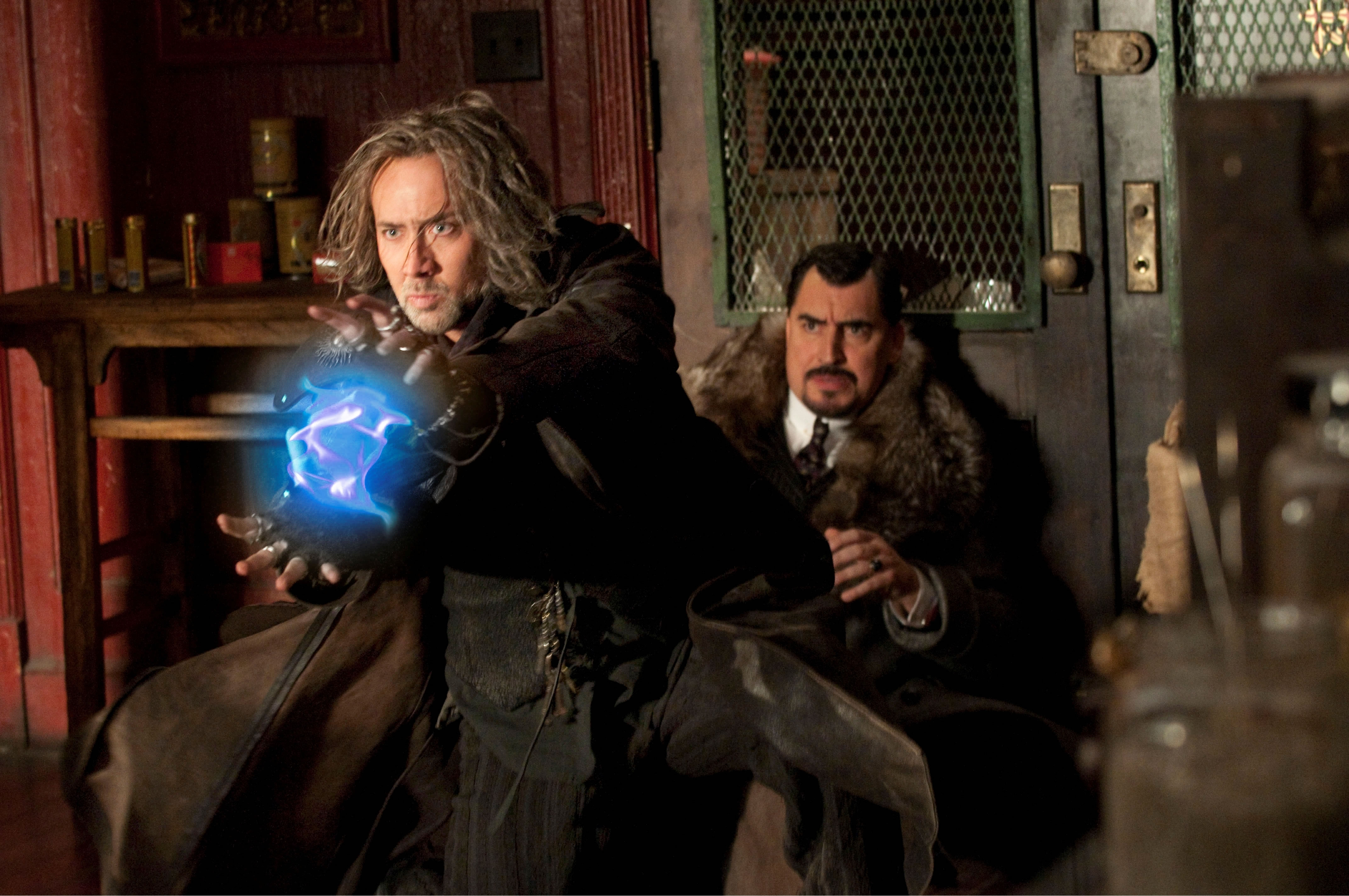 nicolas-cage-and-alfred-molina-in-the-sorcerers-apprentice_jpg1